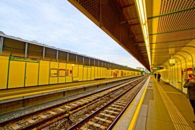 railwayオーストラリア経済、世界最長に並ぶ